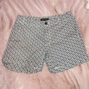 Black and white patterned Banana Republic shorts